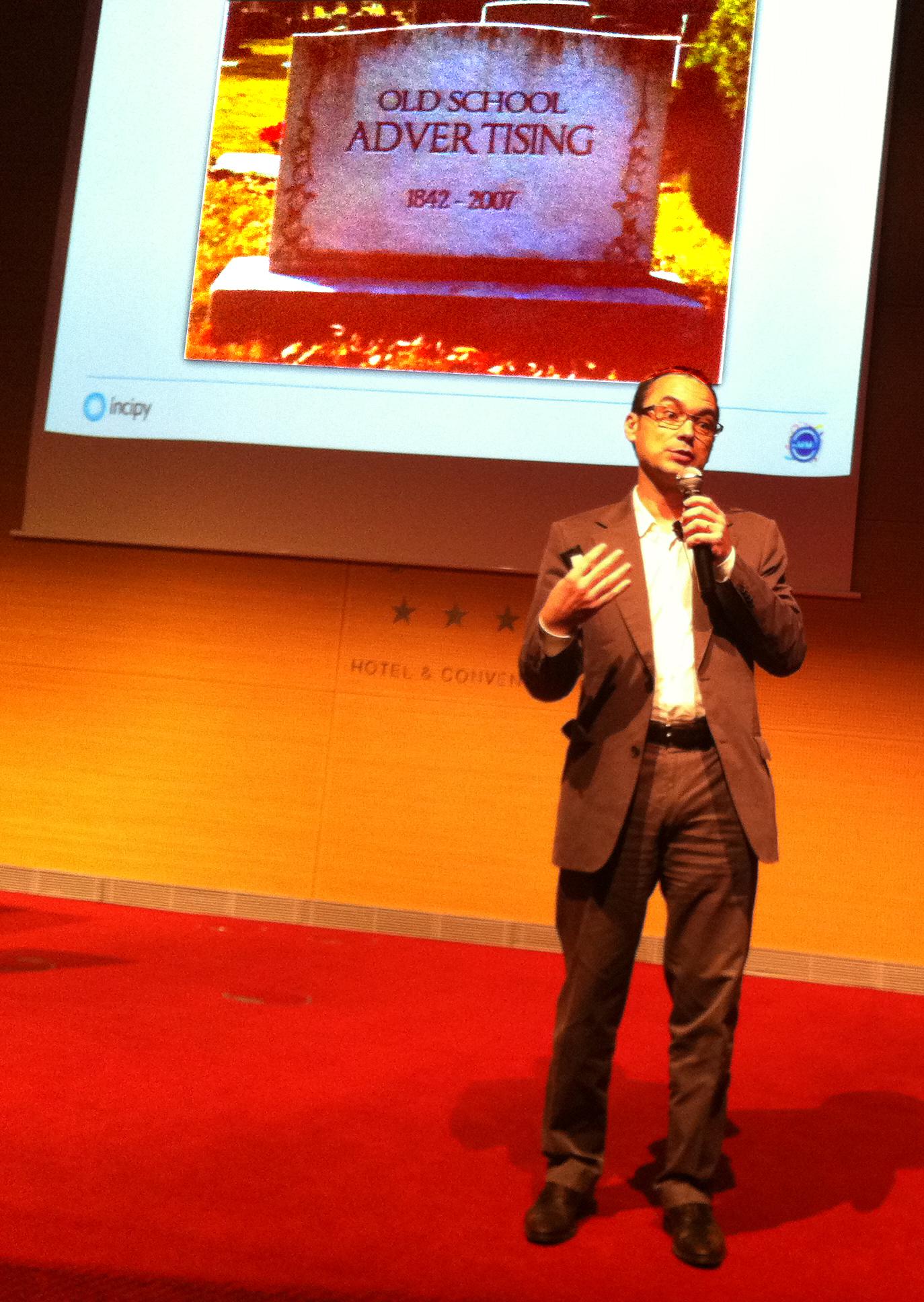 """@prosales en su conferencia: """"Social Media orientado a resultados"""" """"Old School Advertising - La Publicidad de la vieja escuela"""""""
